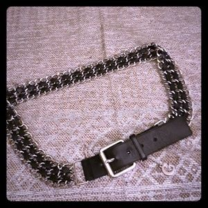 NWOT Guess chain and leather belt**OFFER**
